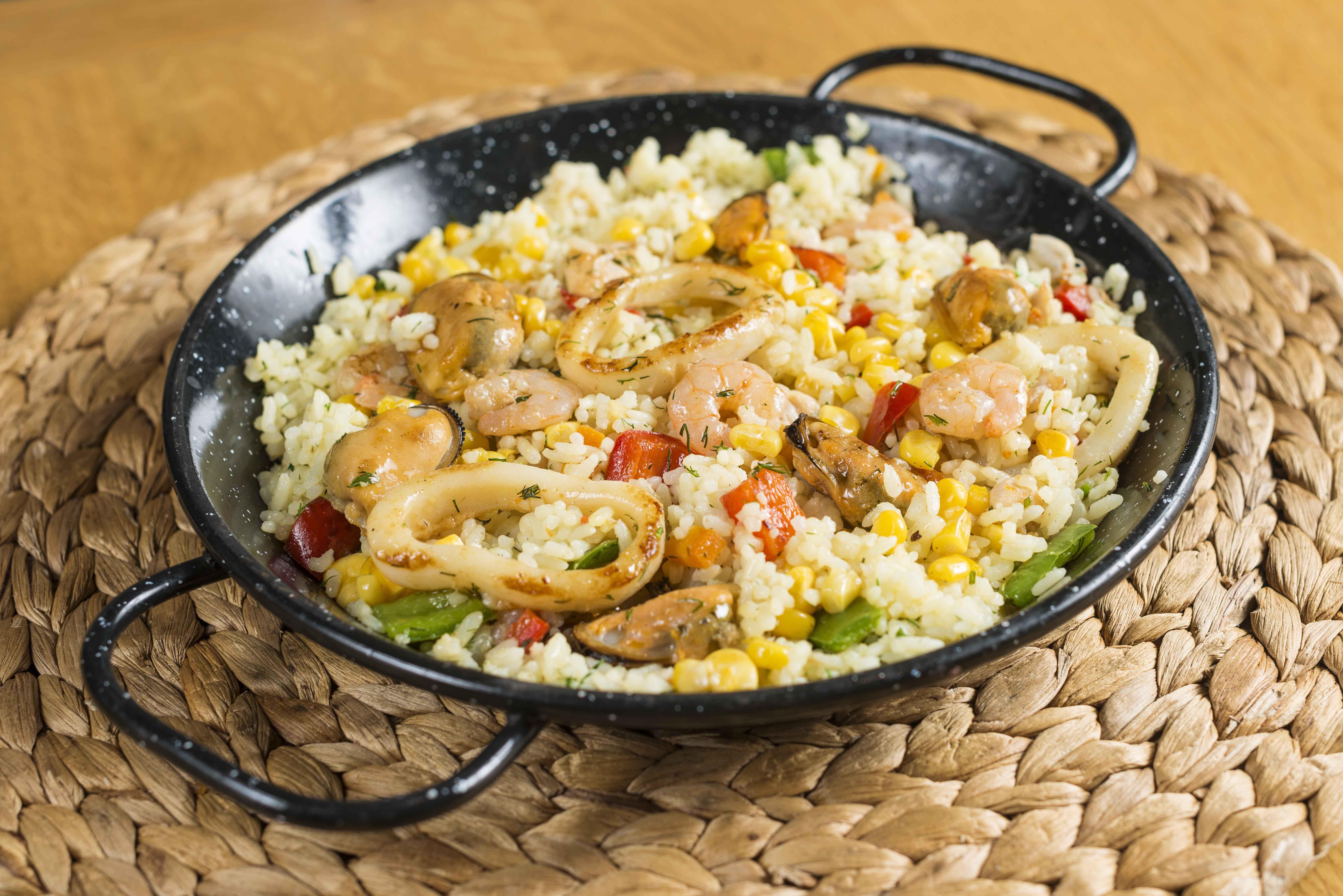 Plato de arroz con cosas