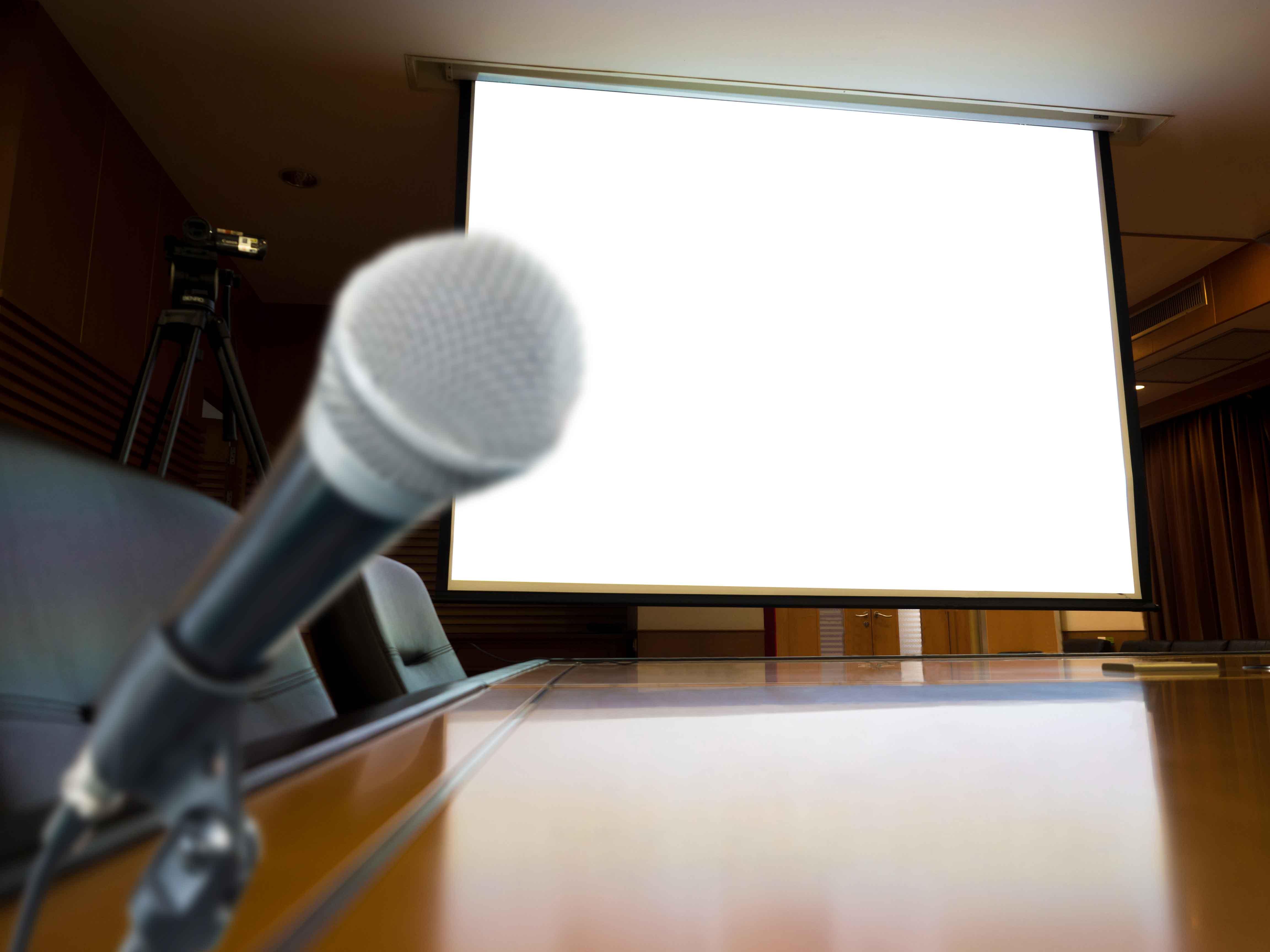 Micrófono y proyector