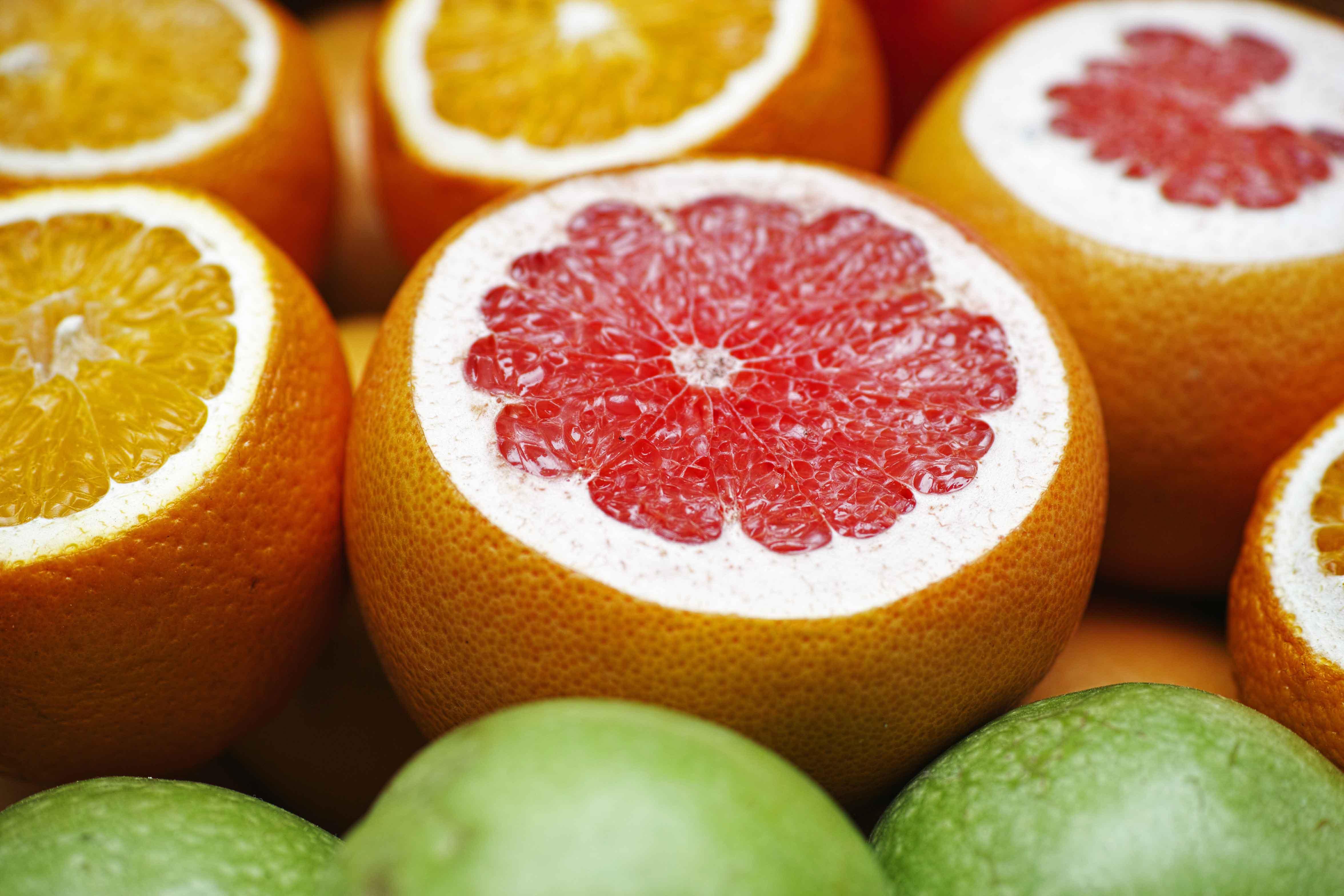 Naranjas partidas por la mitad